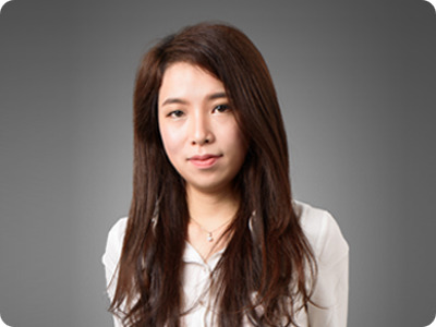 Sales Manager Holly Chen